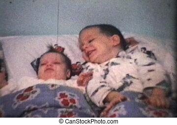 (1965), jongen, zuster, zijn, knuffels, nieuw