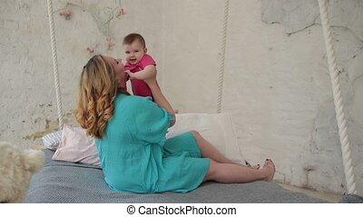 aanhankelijk, haar, bonding, moeder, baby meisje