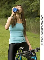 actief, vrouw, dorstig