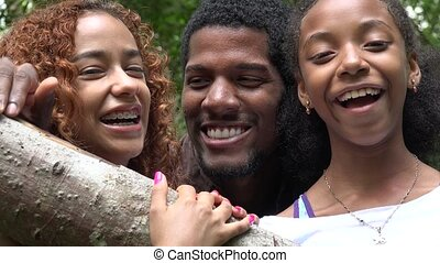 afrikaan, vrienden lachende, gezin, of