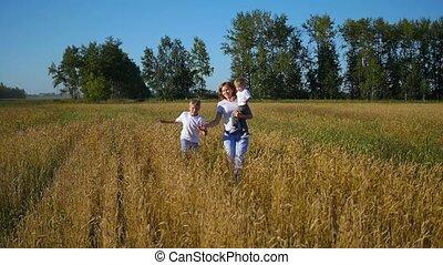 akker, rennende , tarwe, kinderen, moeder