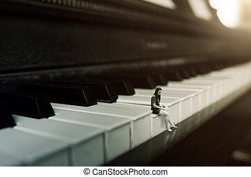 alleen, piano spelen