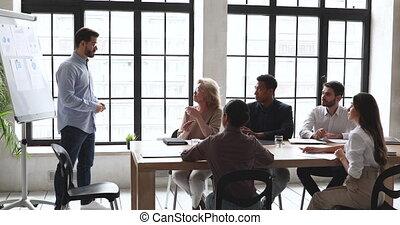 anders, gemotiveerde, vrolijke , training., het luisteren, spreker, werknemers