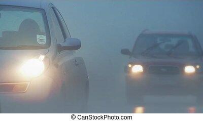 auto's, voorbijgaand, mist, dik