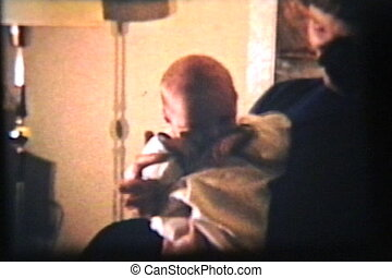 baby jongen, basinette, (1962)