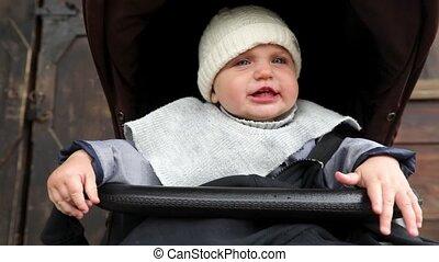 baby jongen, weinig; niet zo(veel), schattige, wandelaar