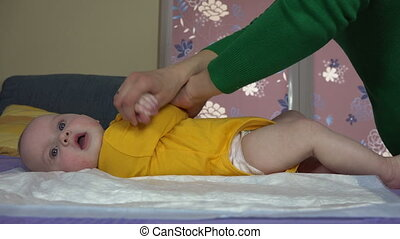 baby, mamma, oefening, handen