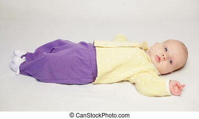 baby, schattig, weinig; niet zo(veel), het leggen, bed