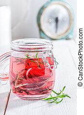 beetroot, pot, rozemarijn, closeup, water