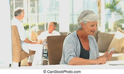 bejaarden, spelend, womens, kaarten