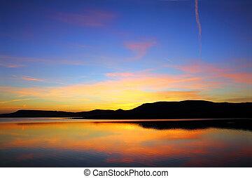 berg, voor, zonopkomst, meer, morgen