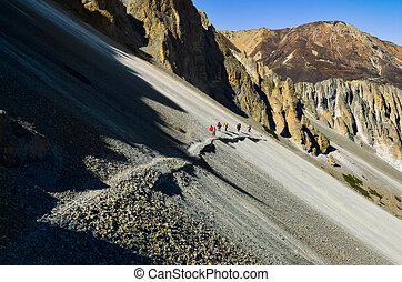 berg, wandelende, groep, rotsachtig, nepal, himalayas, trekkers, heuvel, steil