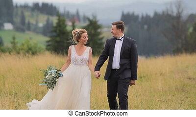 bergen, paar, trouwfeest, wandelingen