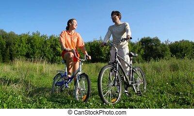 besprekingen, akker, paar, bicycles