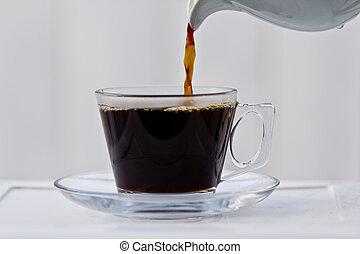 bijna, gietende koffie, volle, kop