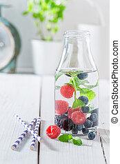 bladeren, fles, soda, besjes, munt, fruitig