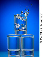 blauwe , drank, glas, gespetter