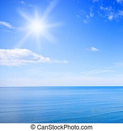 blauwe hemel, oceaan