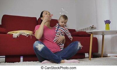 blazen, moeder, baby, thuis, bellen, zeep