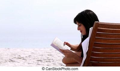boek, brunette, lezende