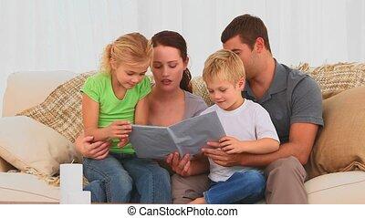 boek, samen, gezin, lezende