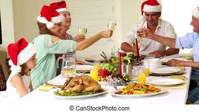 breidde uit, het roosteren, christm, gezin