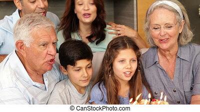 breidde uit, jarig, vieren, gezin, vrolijke