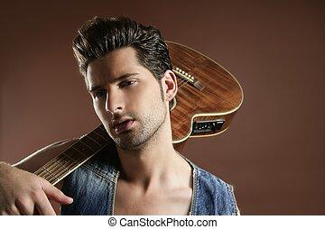 bruine , musicus, jonge, guitar speler, sexy, man