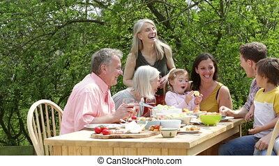 buiten, maaltijd, gezin