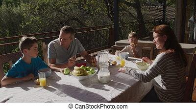 buitenshuis, gezin, ontbijt, samen, eten
