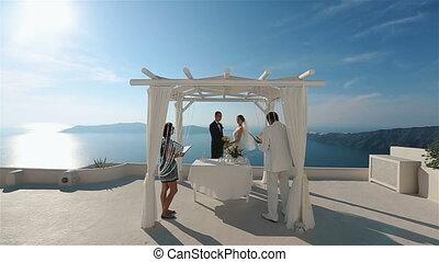 ceremonie, eyes, blik, bouquetten, paar, getrouwd, enkel, een, terwijl, vasthouden, trouwfeest, vrolijke