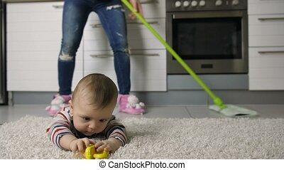 close-up, vloer, dansende vrouw, mopping, benen