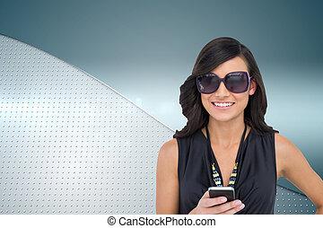 composiet, vrolijke , vasthouden, brunette, beeld, smartphone