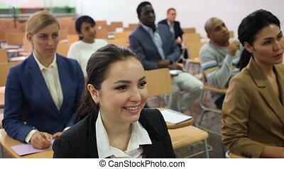 conferentie, het luisteren, groep, anders, zakelijk, spreker, mensen