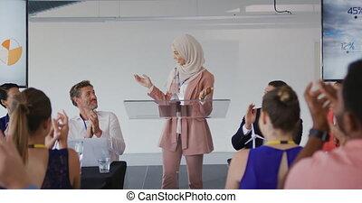 conferentie, vrouwlijk, applauding, zakelijk, spreker, publiek