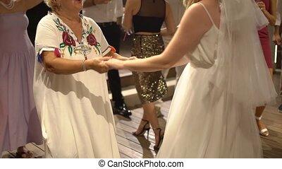 dancing, haar, mamma, bruid, feestje, trouwfeest