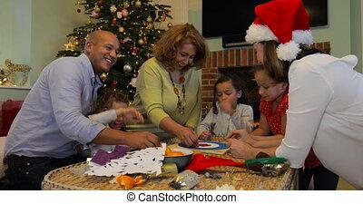de spelen van de raad, kerstmis, spelend