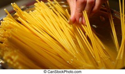 diner, het koken, spaghetti, gezin
