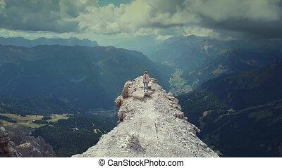 dolomieten, bovenzijde, vrouw, op, reiken, italiaanse , vliegen, piz, boe, berg