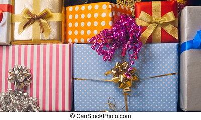 dozen, closeup, kerstman, beeldmateriaal, 4k, stapel, kerstkado, kleurrijke, hoog