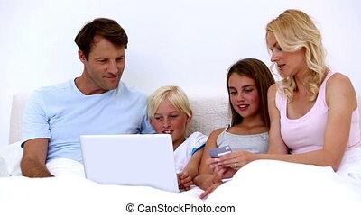 draagbare computer, schattig, gebruik, gezin, winkel