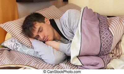 draaien, gooien, jonge, bed, sleeping., man