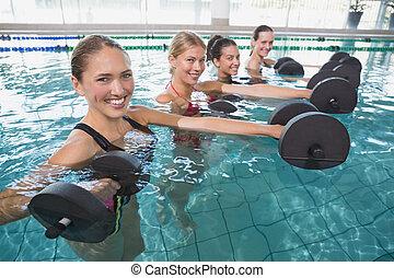 dumbb, schuim, vrouwlijk, aerobics, het glimlachen, blauwgroen, fitheid brengen onder