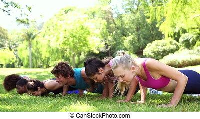 duw, ups, fitheid brengen onder