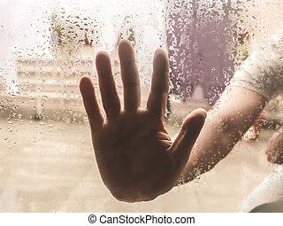 environment., regen, hand, natuurlijke knippatroon, regendruppels, it., venster, druppels, bewolkt, drukken, vrijstaand, buiten, duidelijk, droplet., tegen, menselijk, waterglas, aandoenlijk