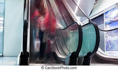 escalators, paar, gebouw