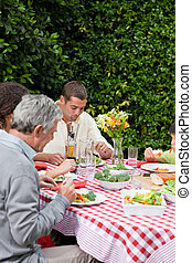 eten, gezin, tuin, vrolijke