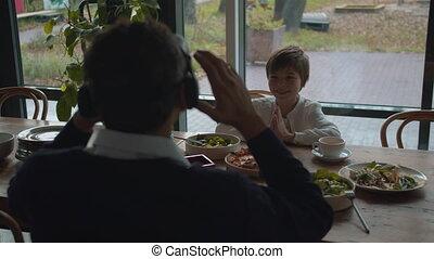 etentje, realiteit, zoon, vader, bril, feitelijk, zet
