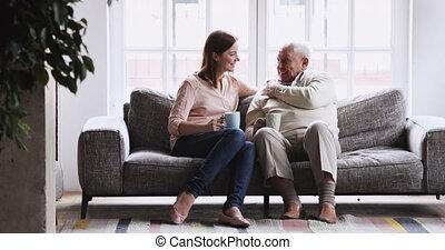 familie generaties, coffee., morgen, vrolijke , drinkt, anders, kletsende
