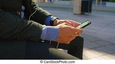 gaan, 4k, texting, zakenman